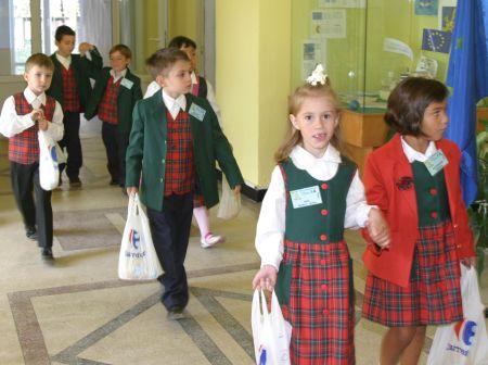 Carrefour a intrat în 323 de scoli