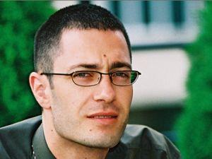 Daniel Gavrila a parasit Lowe