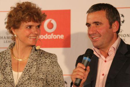 Hagi s-a transferat la Vodafone