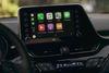 Noua Toyota C-HR comunica si echiparea cu un nou sistem multimedia, ce permite conectivitatea cu Apple Carpla si Android Auto