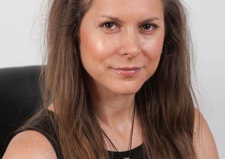 "Comunica ""full services"" auto de 30 mln. euro pe an. Alina Melescanu, Marketing & PR Manager la New Kopel Group"