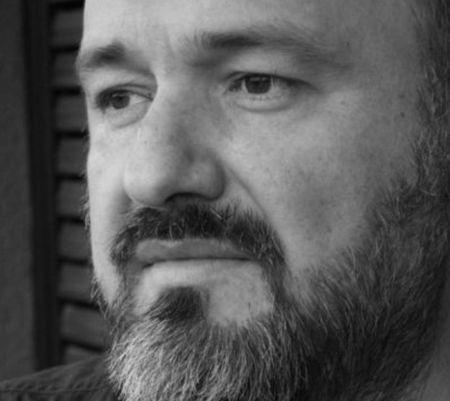 Din 1993 in media si comunicare, fost director de creatie in Saatchi & Saatchi, GMP si Grey, Bogdan Dumitrescu a plecat intr-o lume cu mai mult suflet.