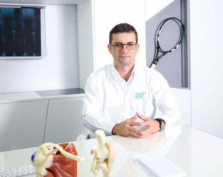 5 reguli de aur pentru prevenirea accidentarilor la schi. Dr Ion Bogdan Codorean, medic ortoped, specializat in traumatologie sportiva