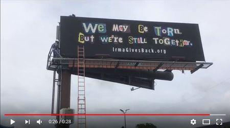 Strigatul dezastrului IRMA. Campanie de speranta din ramasitele panourilor distruse de tornada.