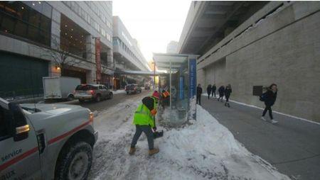 Peste 3.000 de statii de autobuz cu panouri JC Decaux curatate intr-o noapte la New York