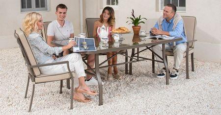 LEROY MERLIN lanseaza noua colectie de mobilier atat pentru segmentul de piata cu terasa si gradina cat si pentru clientii cu balcon