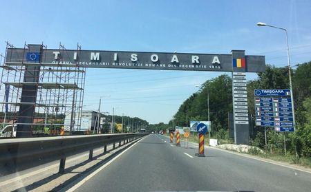 Timisoara: Panourile publicitare Unipole costa max. 15.000 E si nu a cazut niciunul. Cine si cui a dat cu peste 40.000 E pe un panou care a omorat un om?