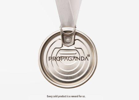 "Propaganda cauta copywriter. ,,CV fara portofoliu nu citim"". P."