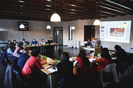 Scoala IAA invita cursantii la modulele de Fundamentele Marketingului si Comunicarii si de Strategie de Marketing si Comunicare Digitala