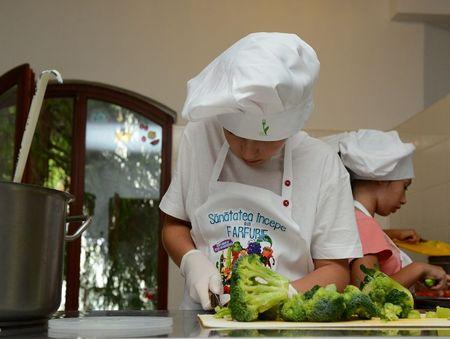 Sanatatea incepe din farfurie. Programul de eduatie gastronomica Selgros tinteste 10.000 de elevi in 2019
