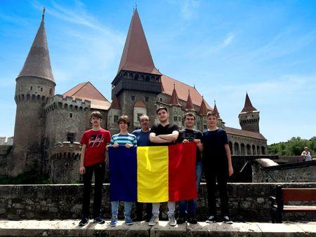 """""""Joaca s-a terminat. Acum suntem la un alt nivel"""" Lorinczi Andrei Darius, 17 ani, din echipa de robotica a Romaniei la FIRST Global Competition, Mexic 2018"""