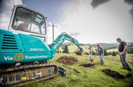 Tasuleasa Social si Raiffeisen Bank fac primii 100 de kilometri Via Transilvanica. Campanie de donatii pentru finalizare.