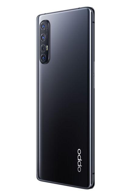 Cel mai nou model OPPO, disponibil cu precomenzi la Vodafone Romania
